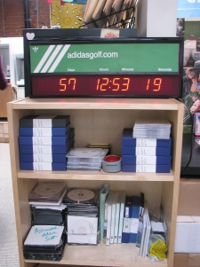 Clock_Nina 004